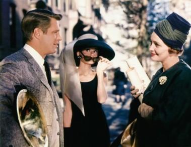 George Peppard, Hepburn e Patricia Neal