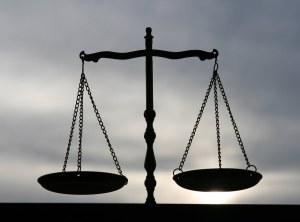 in-nome-della-legge-la-giustizia-nel-cinema-i-L-T3SGQR